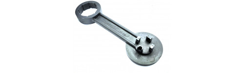Clamping keys for bungs